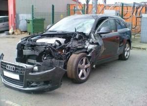 Кому предложить разбитый автомобиль