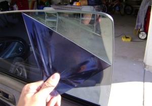 Как снять тонировку со стекол автомобиля