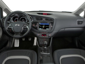 Тест-драйв автомобиля Kia Cee'd