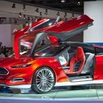 Автомобильные производители массово игнорируют автомобильные салоны