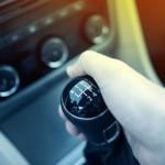Почему лучше учиться вождению на МКПП