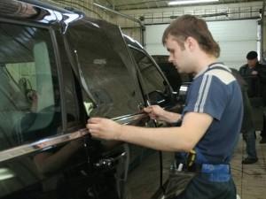 Тонировка стёкол автомобиля собственными руками